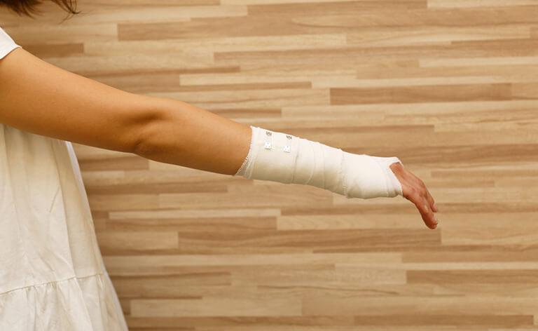 手・腕の痛み