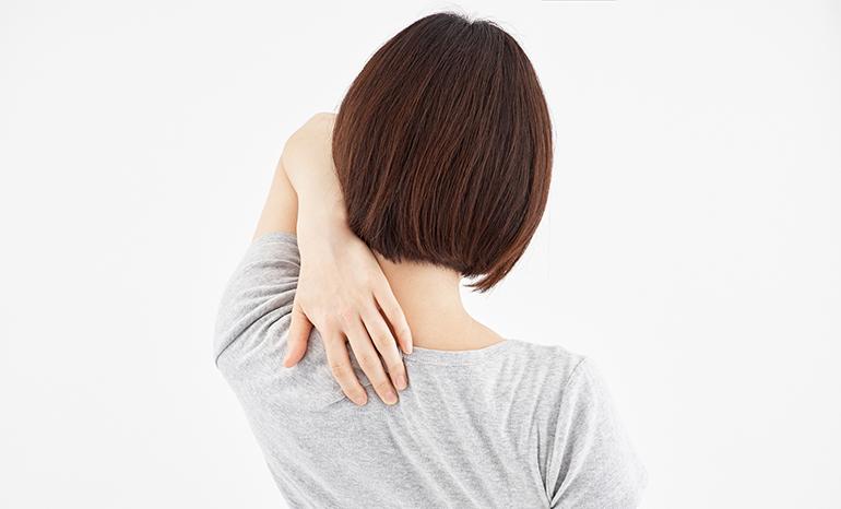 と 背中 痛い が 動かす を 首